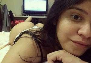 Novinha linda foi vazada no WhatsApp
