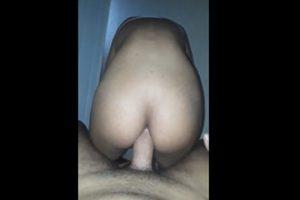 Novinha do WhatsApp tentando fazer anal
