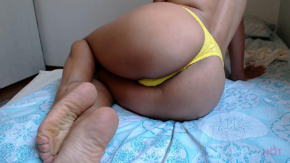 Iza Belly camgirl camerahot
