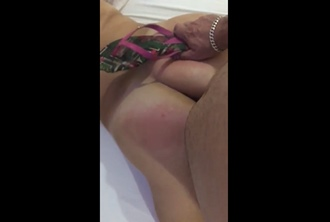 Levou a esposa para o motel e fez um porno com ela