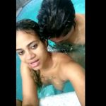 Morena novinha e gostosa dando na piscina do motel