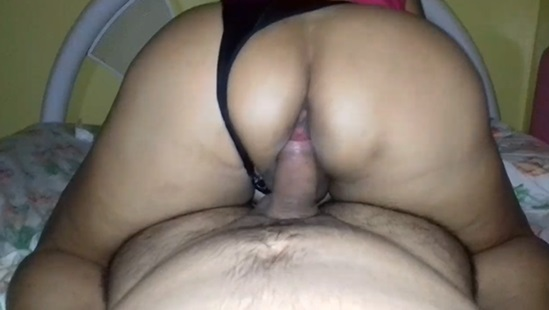 Sexo amador com a empregada boa de cama