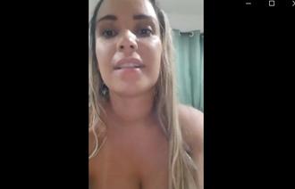 Casada manda nudes para amigos