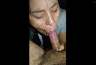 Safada mamando piroca do macho